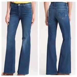 Mother Jeans The Mellow Drama Flare Stardust Wash
